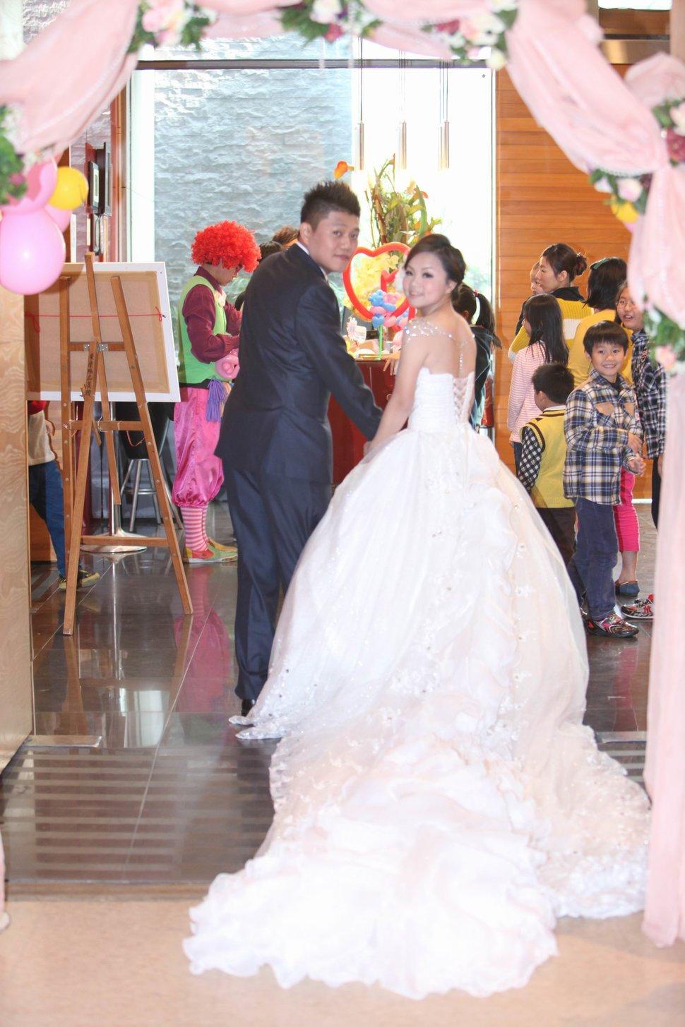 結婚迎娶午宴東達極品美饌結婚迎娶婚禮記錄動態微電影錄影專業錄影(編號:194206) - 蜜月拍照10800錄影12800攝影團隊 - 結婚吧