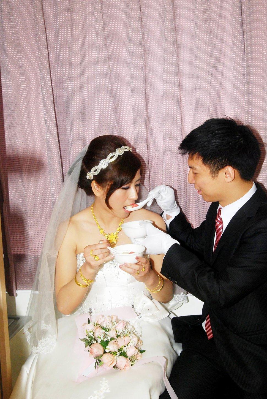 青青食尚花園會館婚禮記錄結婚迎娶婚禮記錄動態微電影錄影專業錄影平面攝影婚紗攝攝影婚禮主持人(編號:196825) - 蜜月拍照10800錄影12800攝影團隊 - 結婚吧