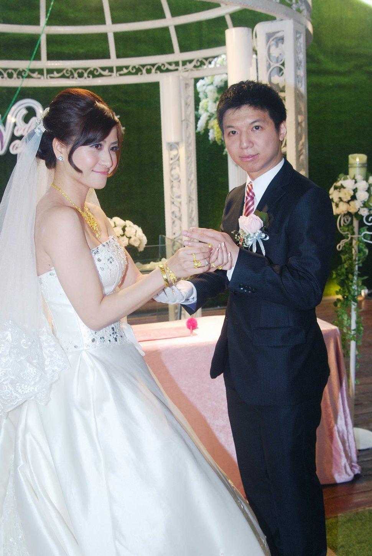 青青食尚花園會館婚禮記錄結婚迎娶婚禮記錄動態微電影錄影專業錄影平面攝影婚紗攝攝影婚禮主持人(編號:196827) - 蜜月拍照10800錄影12800攝影團隊 - 結婚吧
