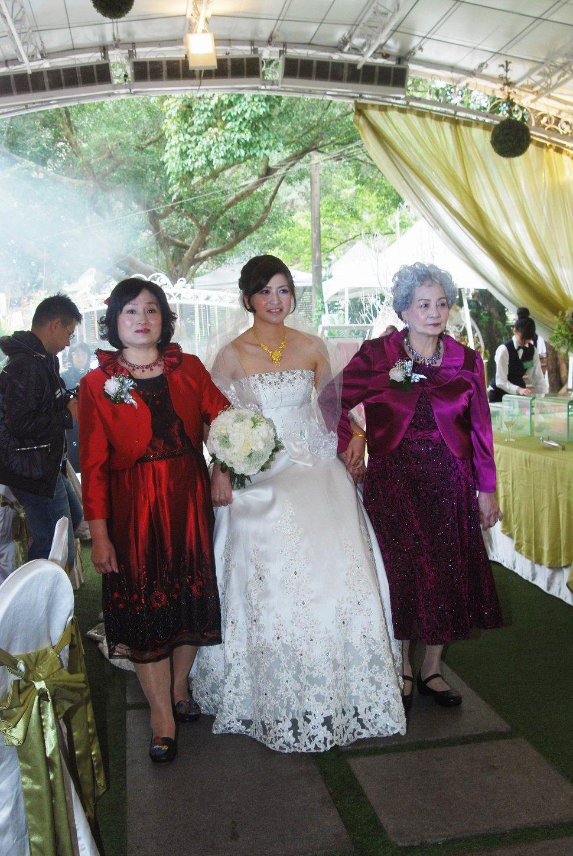 青青食尚花園會館婚禮記錄結婚迎娶婚禮記錄動態微電影錄影專業錄影平面攝影婚紗攝攝影婚禮主持人(編號:196830) - 蜜月拍照10800錄影12800攝影團隊 - 結婚吧