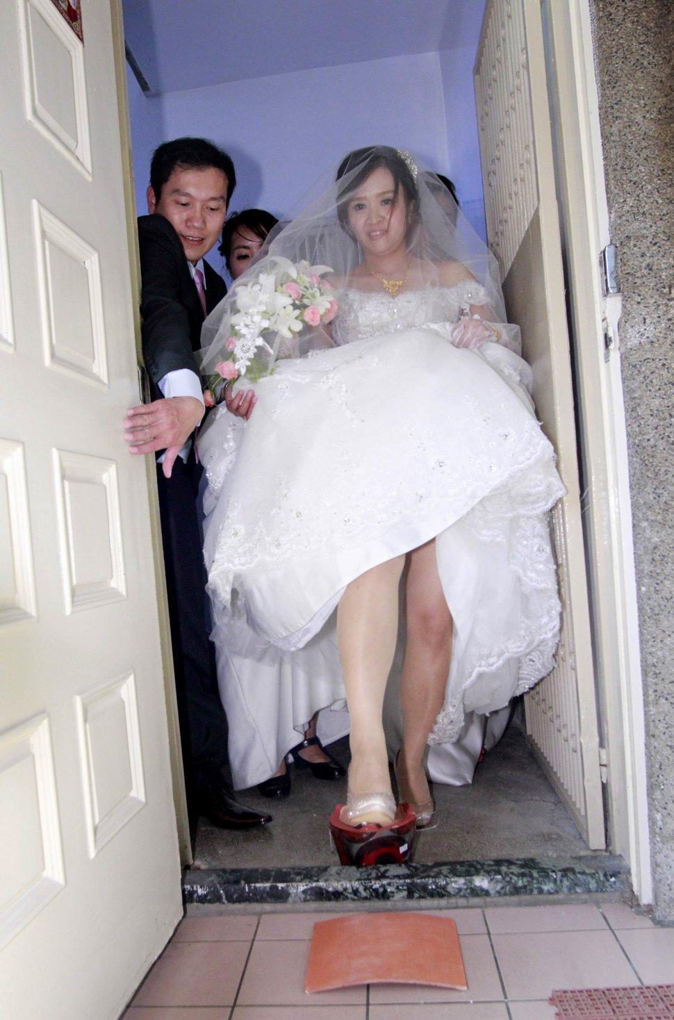永和易牙居婚宴廣場宴會廳婚婚禮記錄結婚迎娶婚禮記錄動態微電影錄影專業錄影平面攝影婚攝婚禮(編號:213038) - 蜜月拍照10800錄影12800攝影團隊 - 結婚吧