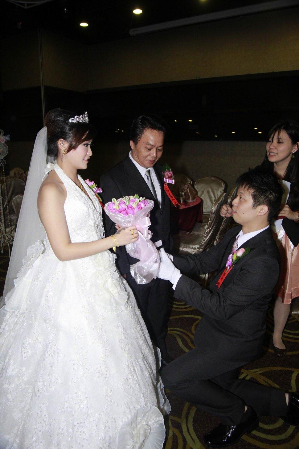 蜜月婚攝新莊美食喜相逢餐廳會館結婚迎娶儀式晚宴婚禮記錄動態微電影錄影專業錄影平面攝影婚攝婚禮主持人(編號:270538) - 蜜月拍照10800錄影12800攝影團隊 - 結婚吧