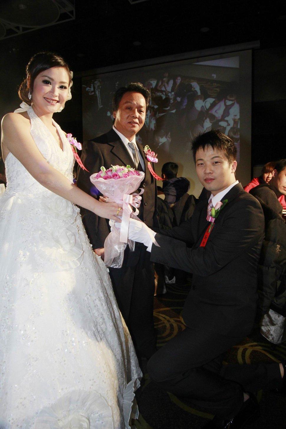 蜜月婚攝新莊美食喜相逢餐廳會館結婚迎娶儀式晚宴婚禮記錄動態微電影錄影專業錄影平面攝影婚攝婚禮主持人(編號:270548) - 蜜月拍照10800錄影12800攝影團隊 - 結婚吧