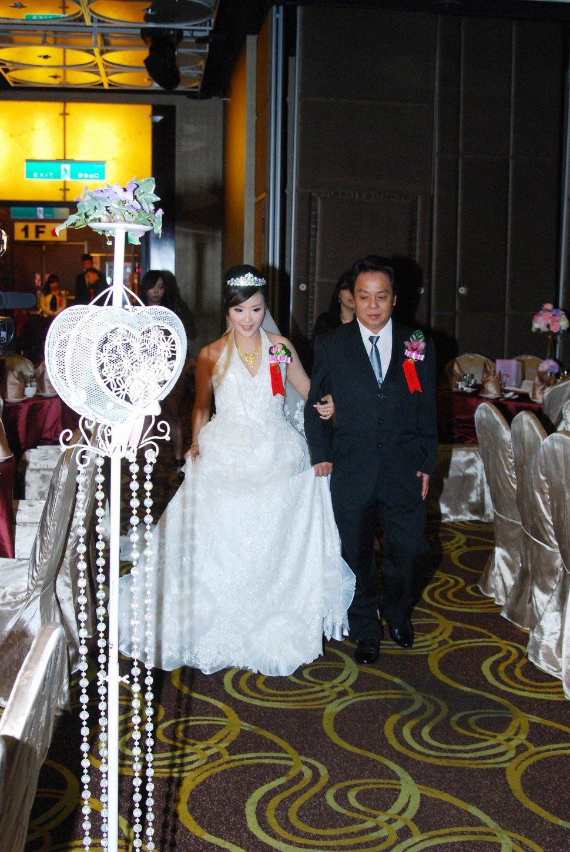 蜜月婚攝新莊美食喜相逢餐廳會館結婚迎娶儀式晚宴婚禮記錄動態微電影錄影專業錄影平面攝影婚攝婚禮主持人(編號:270635) - 蜜月拍照10800錄影12800攝影團隊 - 結婚吧