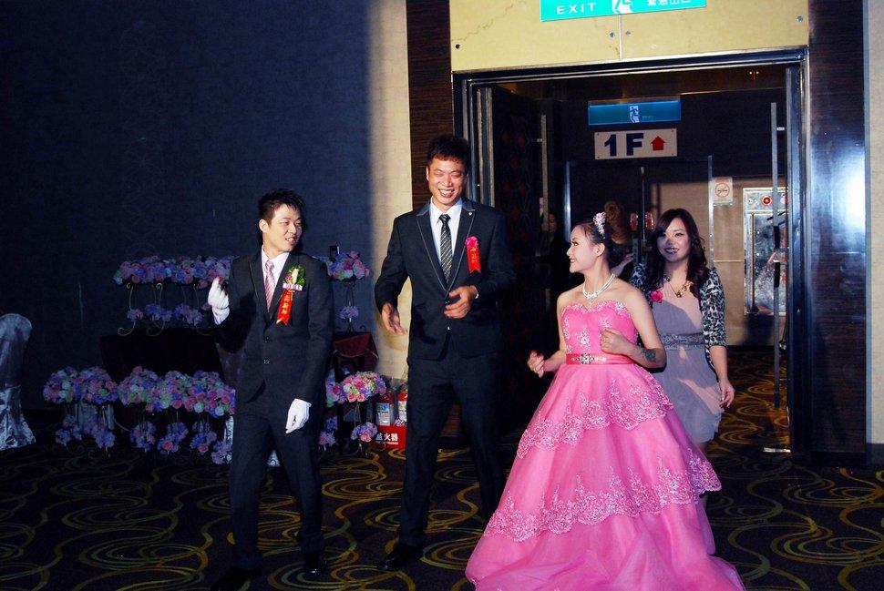 蜜月婚攝新莊美食喜相逢餐廳會館結婚迎娶儀式晚宴婚禮記錄動態微電影錄影專業錄影平面攝影婚攝婚禮主持人(編號:270659) - 蜜月拍照10800錄影12800攝影團隊 - 結婚吧