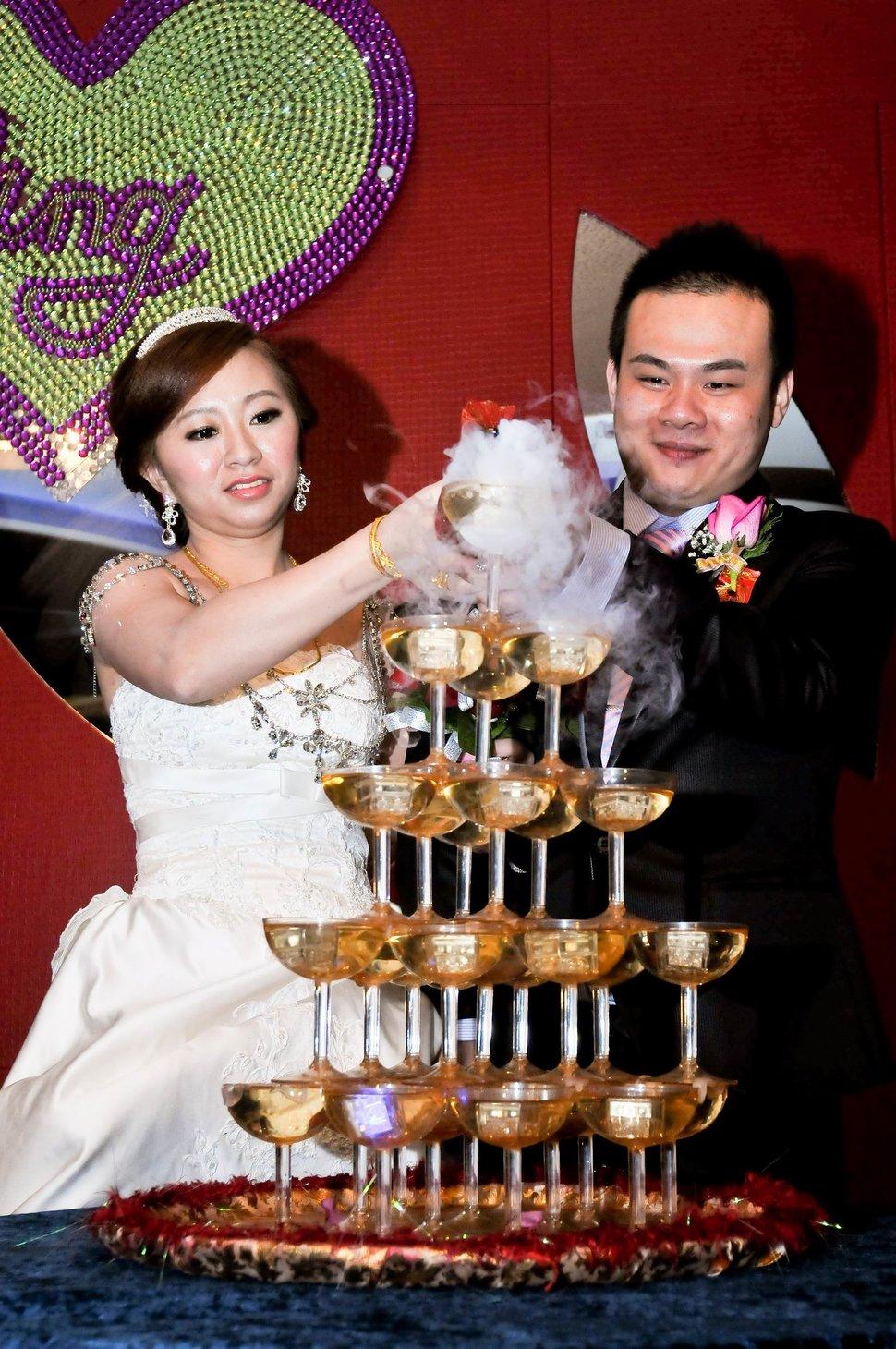 海產大王文定結婚儀式迎娶晚宴婚禮結婚儀式午宴婚禮記錄動態微電影錄影專業錄影平面攝影婚攝婚禮主持人(編號:303422) - 蜜月拍照10800錄影12800攝影團隊 - 結婚吧