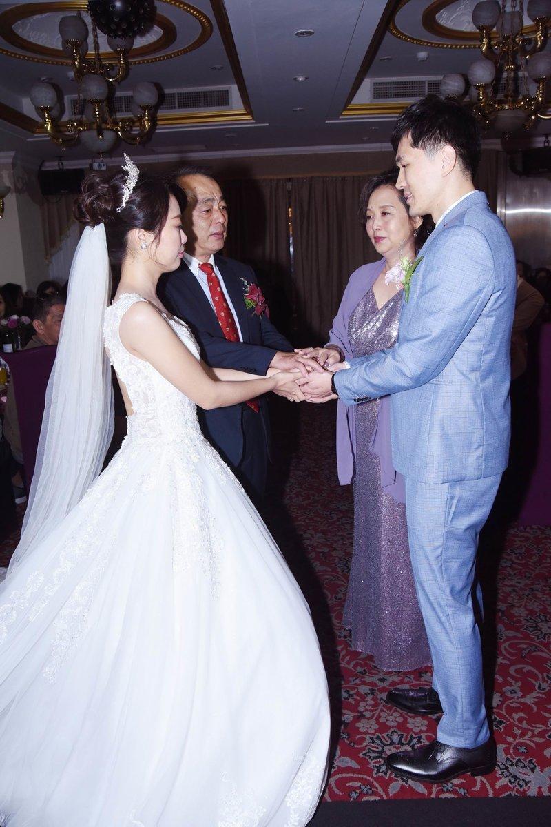 婚禮紀錄拍照8800元.錄影12800