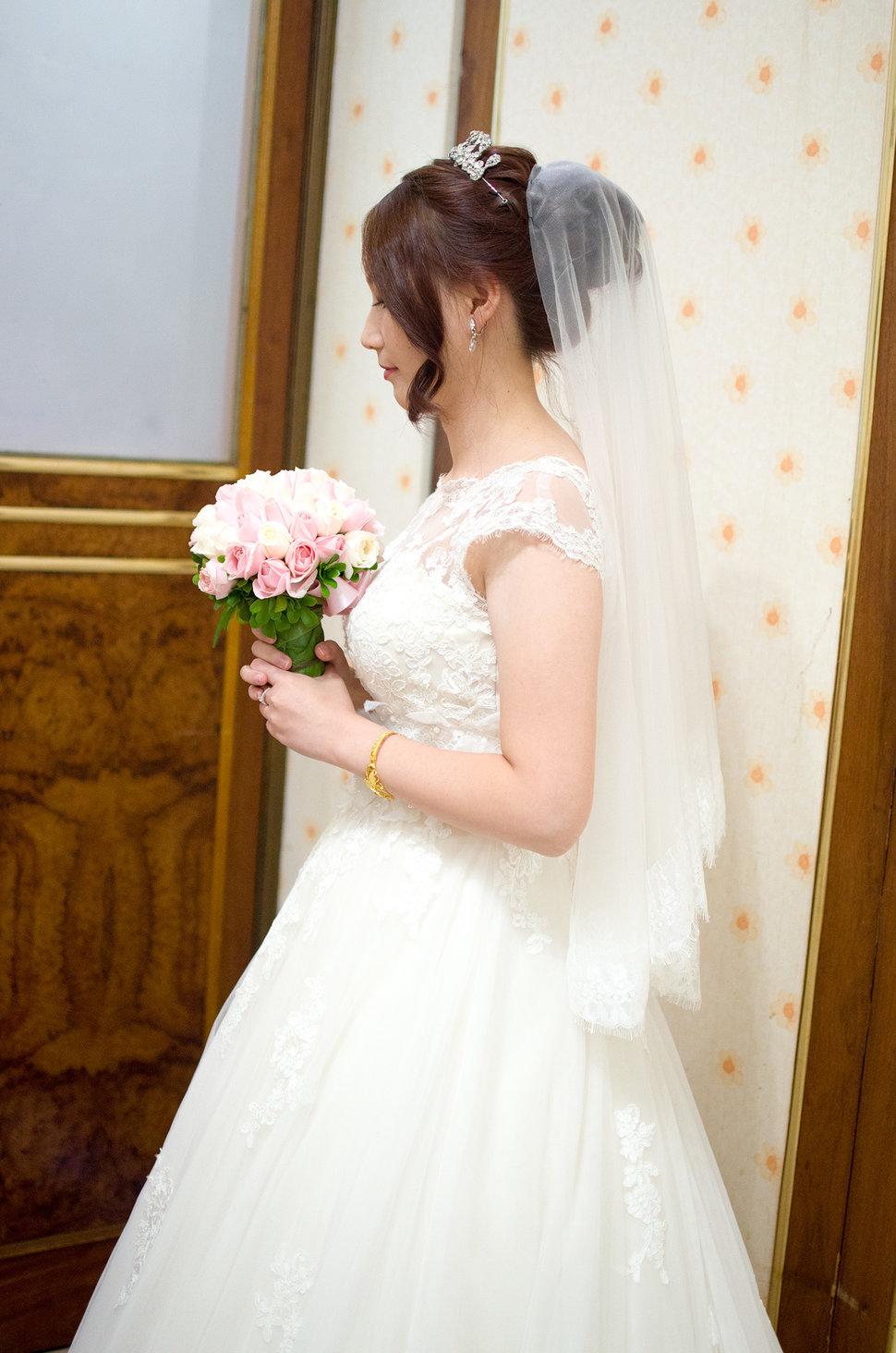 白紗精選造型(編號:509094) - Winnie LIU白色時尚城堡《結婚吧》