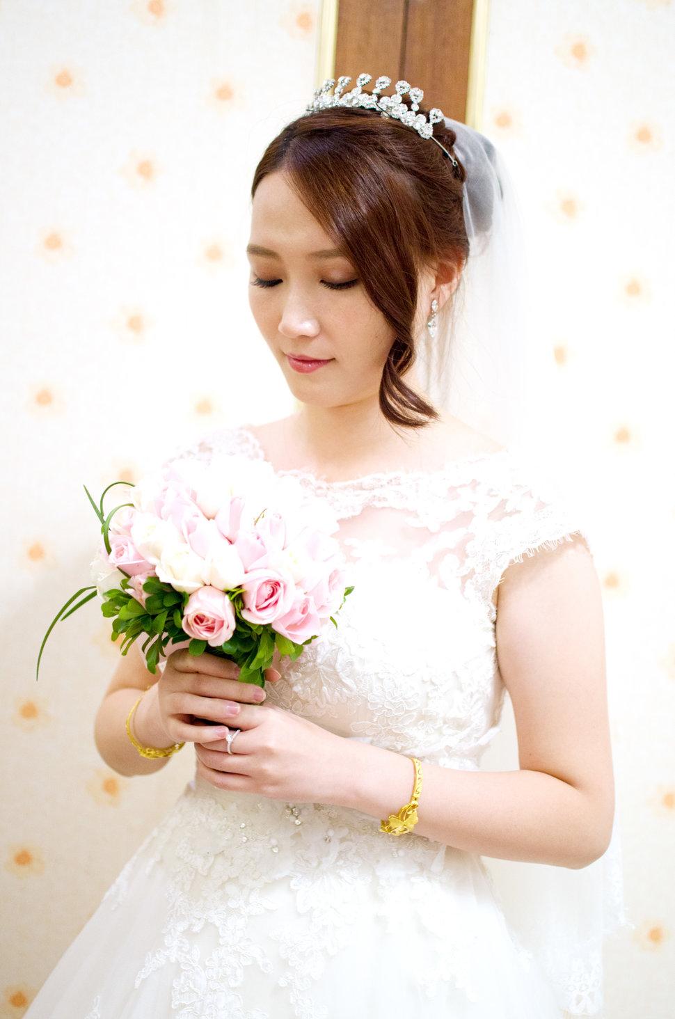 白紗精選造型(編號:509104) - Winnie LIU白色時尚城堡《結婚吧》
