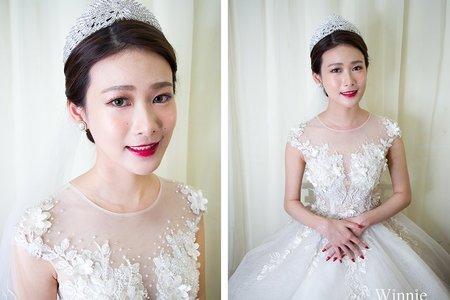 高貴優雅的皇冠白紗新娘造型