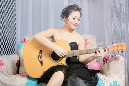 搖滾吉他手 vs  快樂廚娘