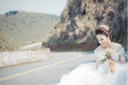 一個人也可以擁有浪漫的婚紗