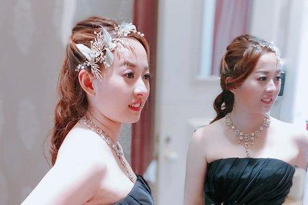 新新娘蓮均送客造型