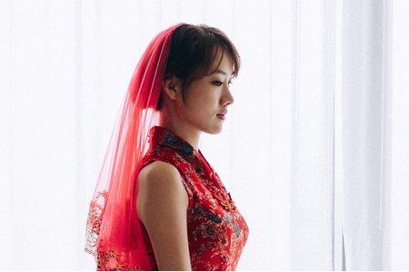 紅色旗袍低盤