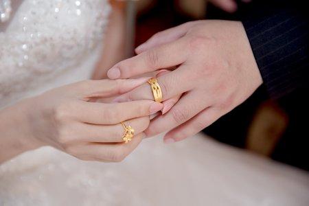 今生最幸福的事情,莫過於牽著你的手並肩走在婚禮的殿堂