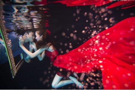 夢幻泡影-水中婚紗攝影