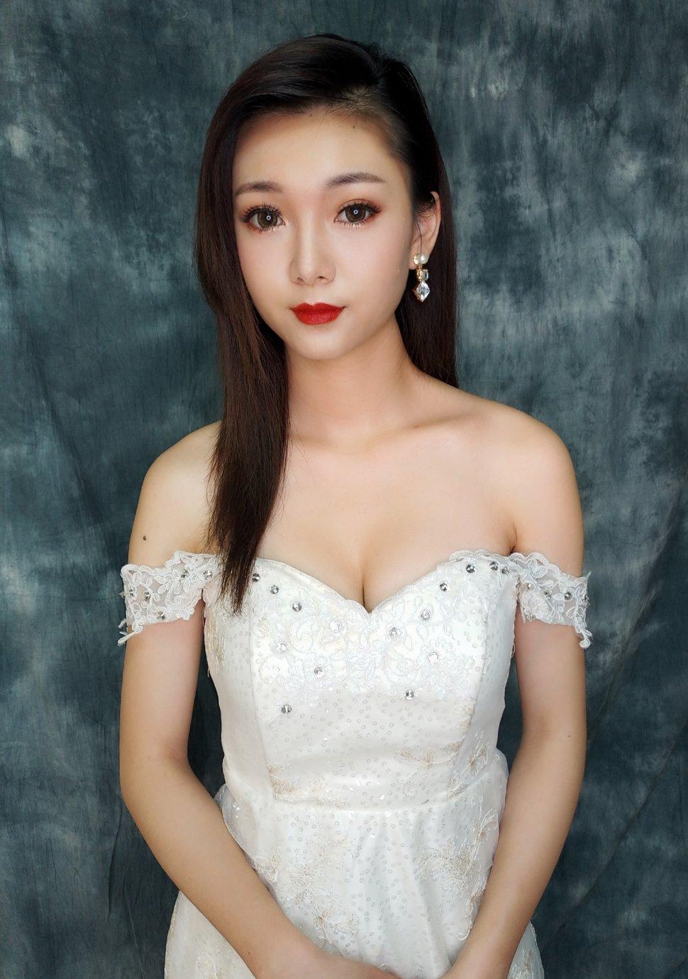 D7294C1F-5F48-4DC1-A633-203F292D73A8 - Nanami 張慈慈《結婚吧》
