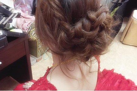 蓬鬆編髮線條