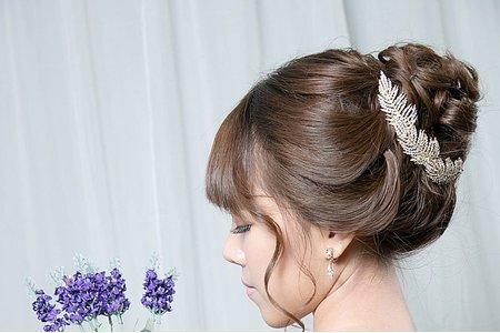 韓系線條簡約盤髮