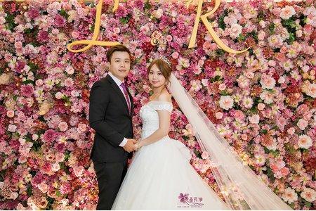 台北格來天漾婚佈 全版經典粉花牆
