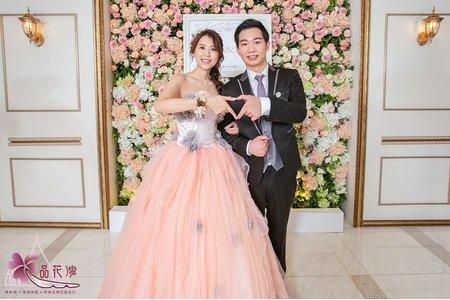 台北維多利亞婚佈 綠白花牆木板款