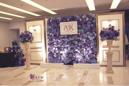 台北維多利亞婚佈 紫色花牆木板款