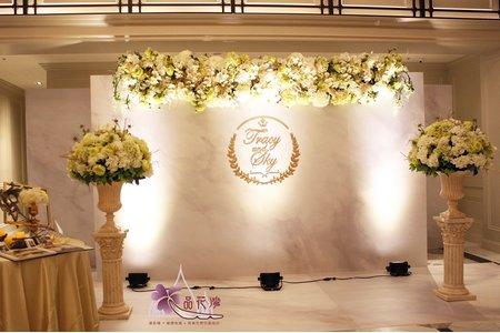 台北翡麗詩莊園佈置 背板垂吊與桌面