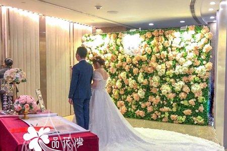 台北遠企 淺粉花牆