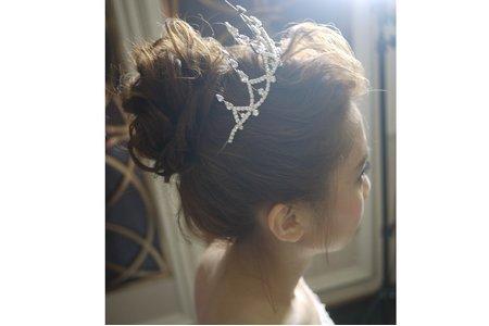 蕾絲肩紗+女王皇冠