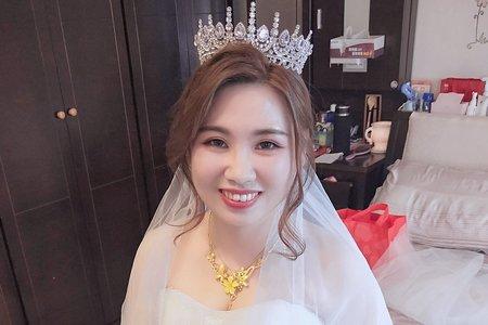 白紗華麗皇冠台南新娘秘書
