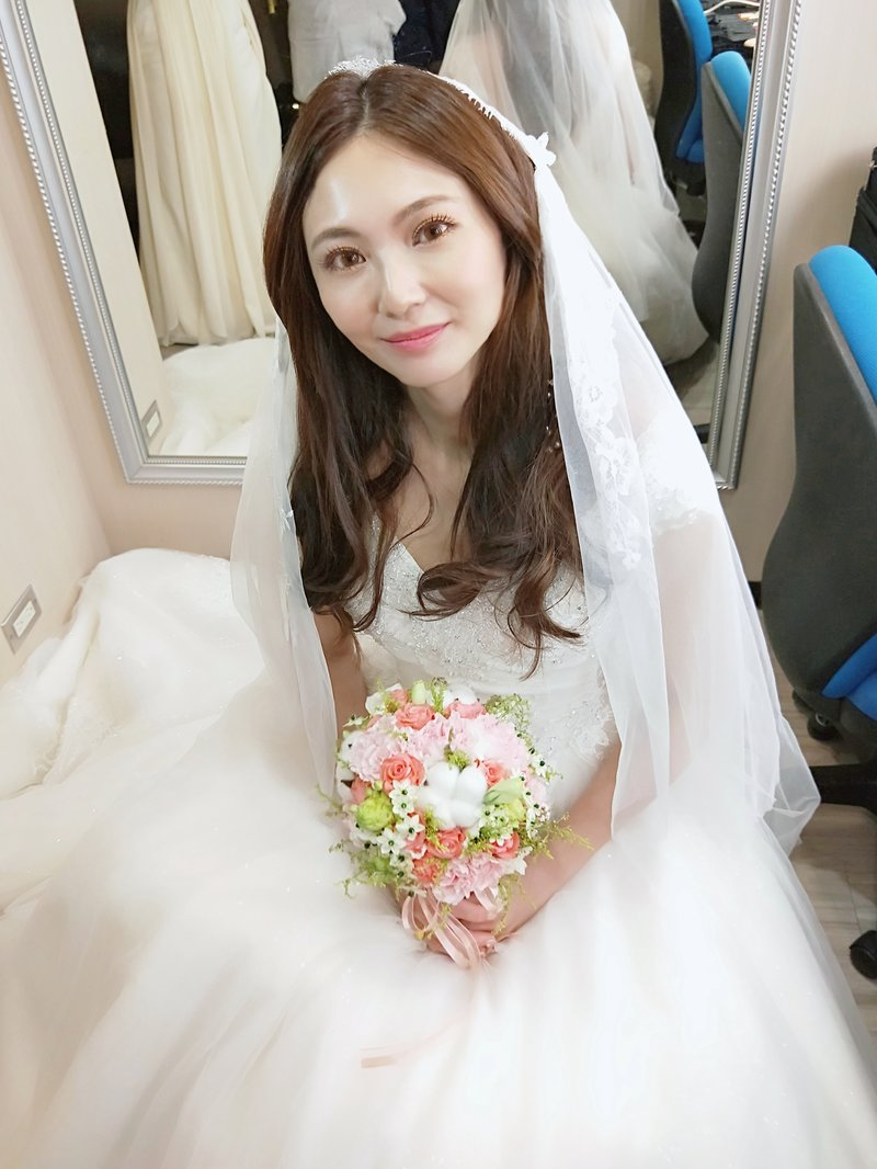 新娘婚宴造型