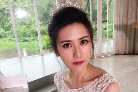 皇冠花苞頭新娘造型白紗