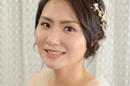 Nina Makeup彩妝造型-lvy清透自然妝感與優雅盤髮