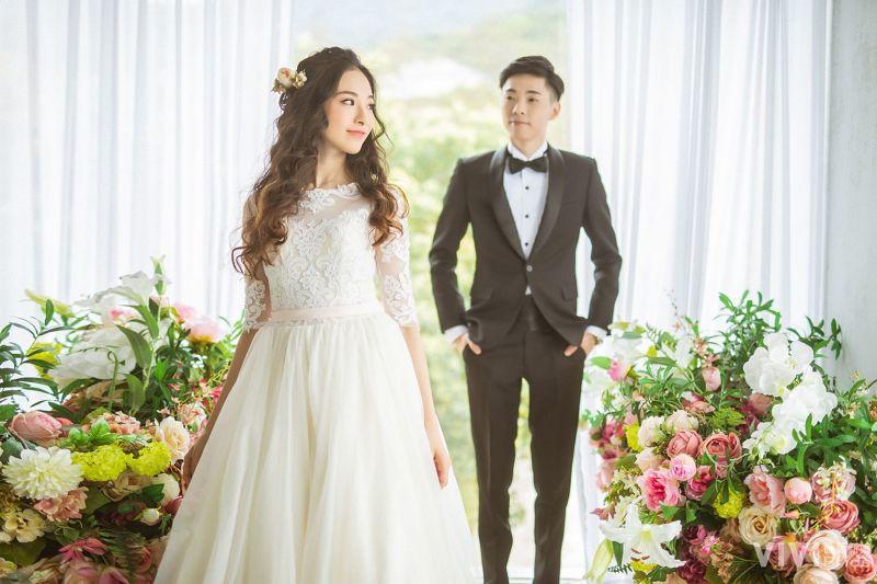54c6a74c5176a21ef7557ea1ef98c7865cd5313fd8a55 - VIVI Bride 薇薇新娘 婚紗攝影《結婚吧》
