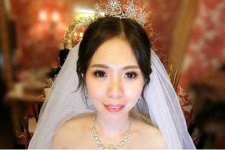 夢幻城堡彩妝造型團隊-新秘嬿而-婚宴造型