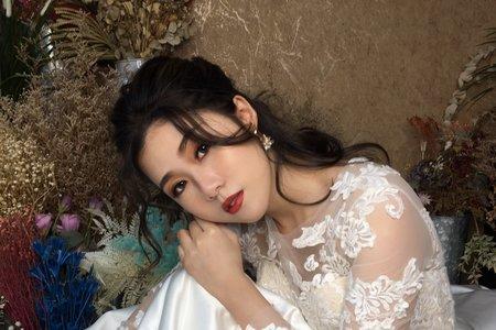 夢幻城堡彩妝造型/新秘羽寧-新娘造型創作