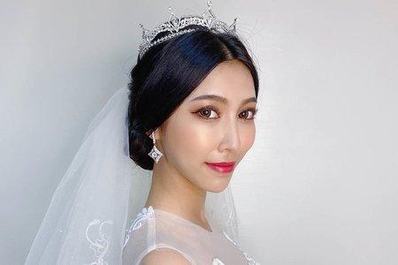 白紗造型-盤髮-新娘造型/夢幻城堡彩妝造型圖隊