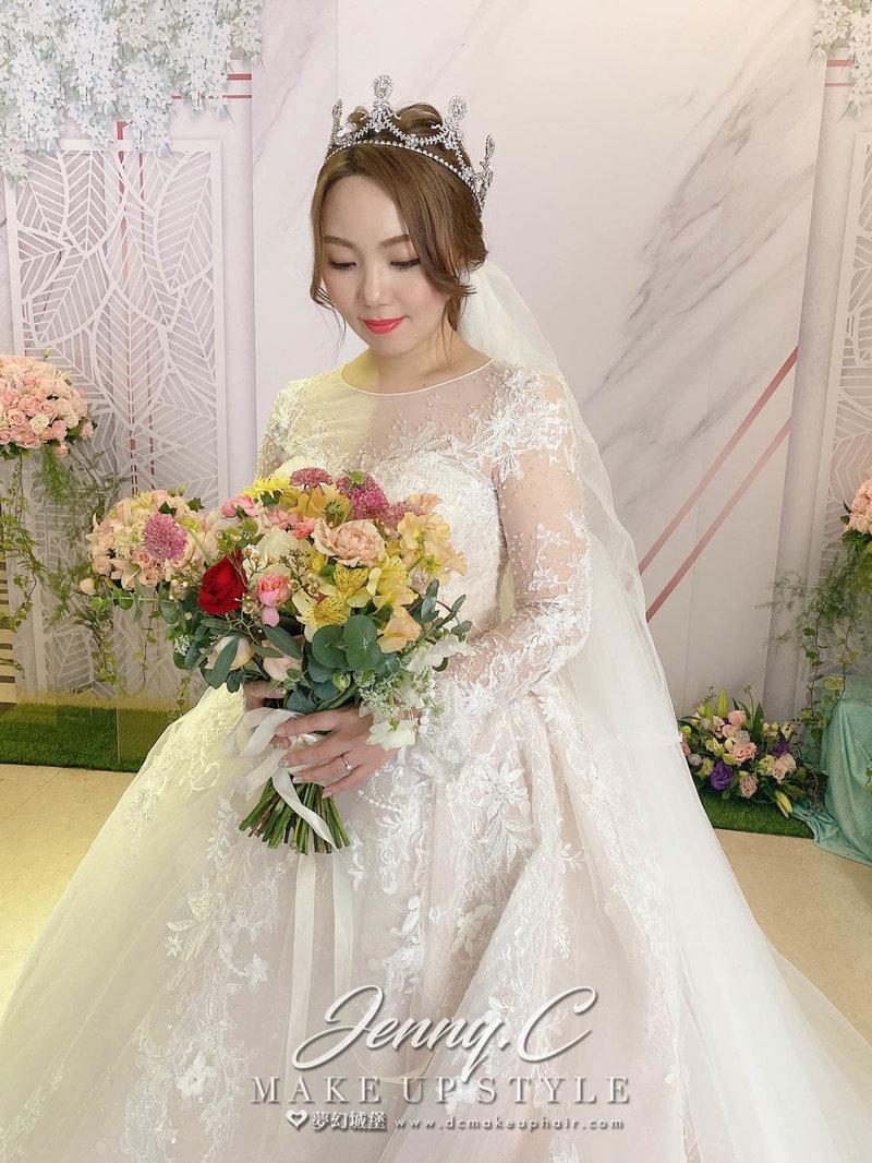 下訂新秘~再享其他婚禮服務3000折扣金作品