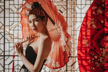 龍鳳掛-中式風格-新娘造型/夢幻城堡彩妝造型團隊