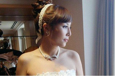 高雄新秘/白紗造型/日系高髮髻/公主風格/珍珠精製飾品