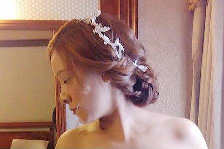 高雄新秘/白紗造型/韓系/鬆編髮/噴槍裸妝/花圈