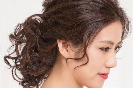 【中式古典優雅造型】大地色眼妝/桃紅色絲綢般唇彩/蓬鬆魚骨編髮/新娘秘書