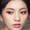 【名媚琉璃】極緻光裸肌-耀眼春桃眼妝-自然蓬鬆花苞頭-9