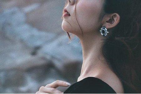 小草 ● stylist整體彩妝