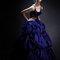 藍紫色的層次澎裙加上黑色蕾絲的神秘