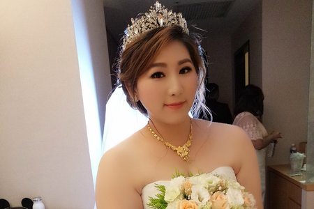 新娘(育津)結婚宴--噴槍底妝/陶瓷妝感