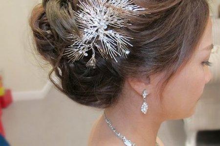 依婷婚宴-細軟稀疏髮造型