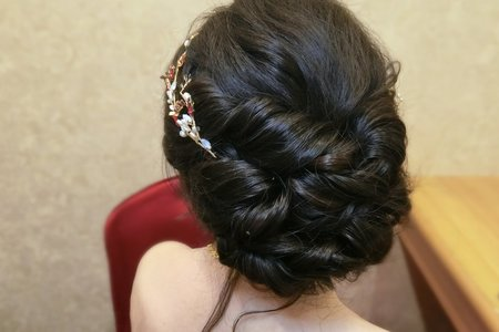 Lillian新秘工作室-訂婚編髮盤髮+乾燥花人魚編髮