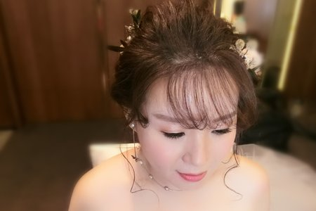 Lillian新娘秘書-進場皇冠造型+乾燥花編髮+送客大波浪
