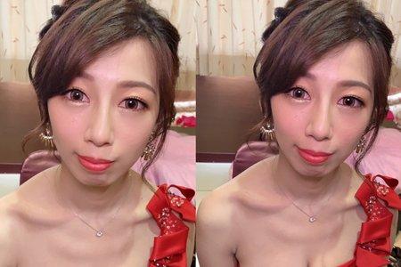 台中新秘Nisi 佳容公主 訂婚一進造型/訂婚造型/訂婚髮型/訂婚妝髮/新娘妝髮